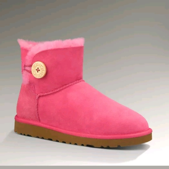 82962bf4f43 Pink mini bailey button uggs